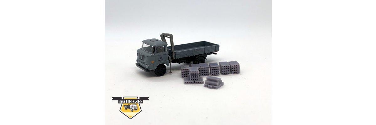 Unser Sondermodell W50 mit Ladekran der Deutschen Post und Ladegut Kabelformsteine -