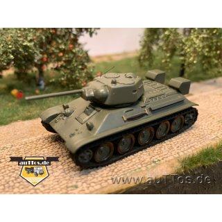T-34 mittlerer Panzer, mit separater Kommandantenluke (Baujahr 1942/43)